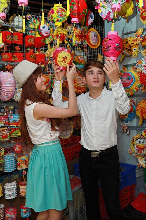 phan manh quynh dao pho long den cung hot girl - 3