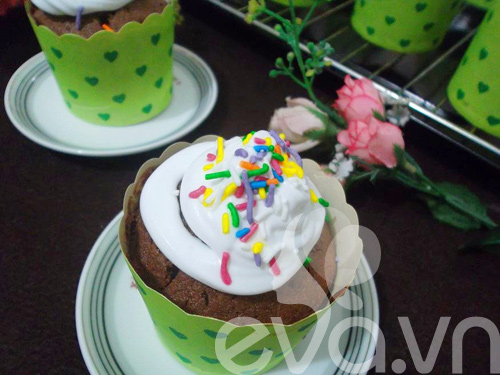banh cupcake so co la thom ngon - 10
