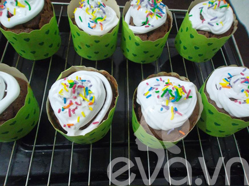 banh cupcake so co la thom ngon - 8