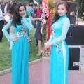 Làng sao - Vy Oanh diện áo dài nổi bật tại Trung Quốc