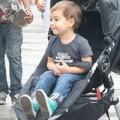 Làng sao - Nhóc Flynn thích thú đi chơi cùng bố mẹ