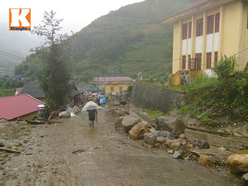 can canh lu quet tan pha lao cai, 7 nguoi chet - 1