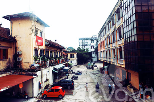 zone 9: paris giua long ha noi - 1