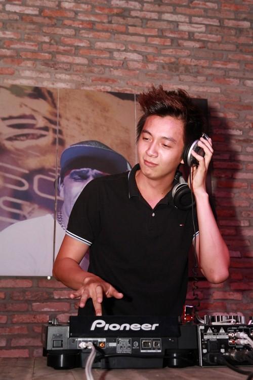chi pu om chat cuong seven hau chia tay - 11