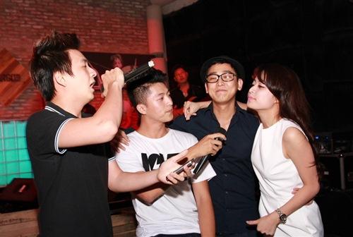 chi pu om chat cuong seven hau chia tay - 13