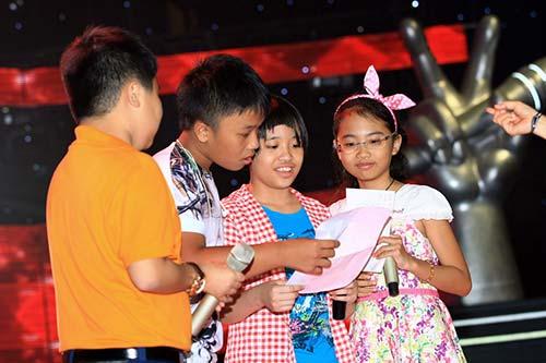 "ban gai tran thanh cung ""me"" the voice kids - 9"