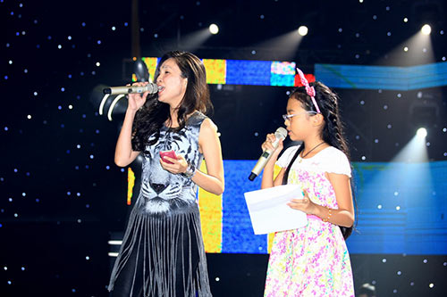 "ban gai tran thanh cung ""me"" the voice kids - 5"