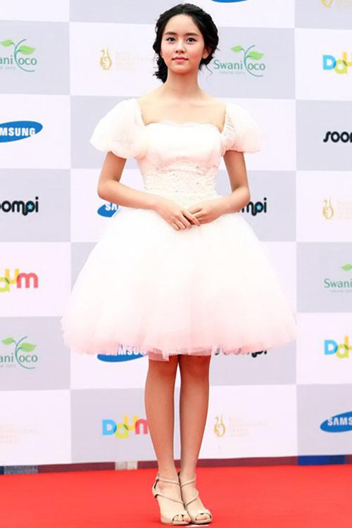 sao hoa han xung xinh di du seoul drama awards - 6