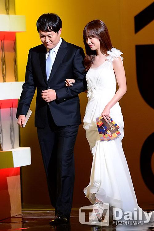 sao hoa han xung xinh di du seoul drama awards - 11