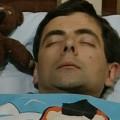 Mr Bean cuống cuồng vì ngủ quên