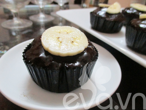 banh cupcake so co la chuoi - 10