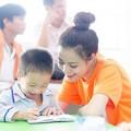 Làng sao - Hoàng Thùy Linh giản dị đi làm tình nguyện
