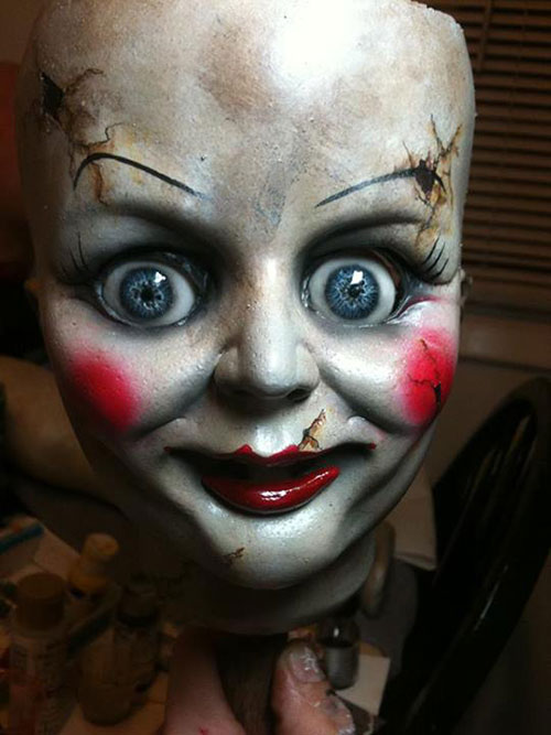 hai hung bup be annabelle trong the conjuring - 4