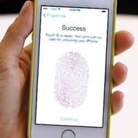 iPhone 5S chỉ mở khóa được bằng tay người sống