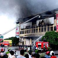Cháy dữ dội tại Trung tâm thương mại Hải Dương