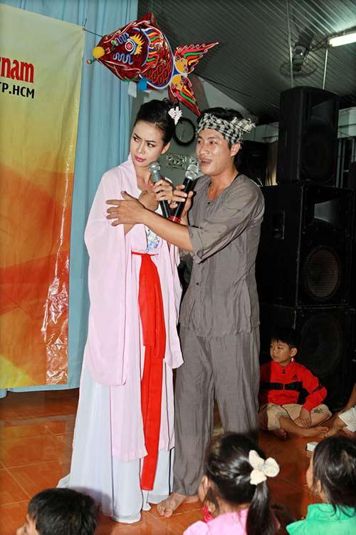 thai chi hung rang ro ben ''chi hang'' my hanh - 6