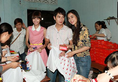 thai chi hung rang ro ben ''chi hang'' my hanh - 15