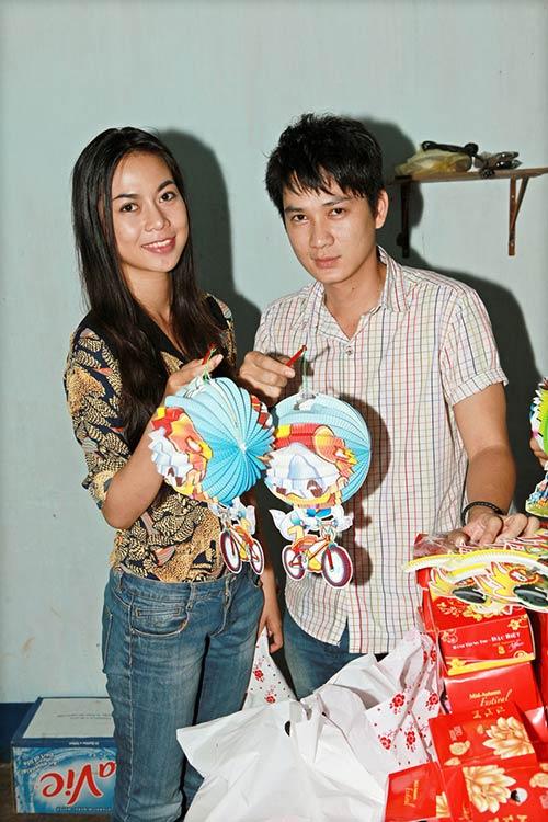 thai chi hung rang ro ben ''chi hang'' my hanh - 1
