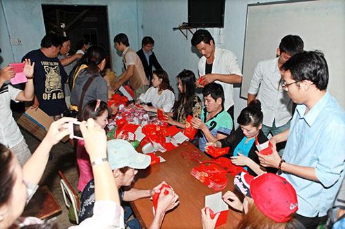 thai chi hung rang ro ben ''chi hang'' my hanh - 14