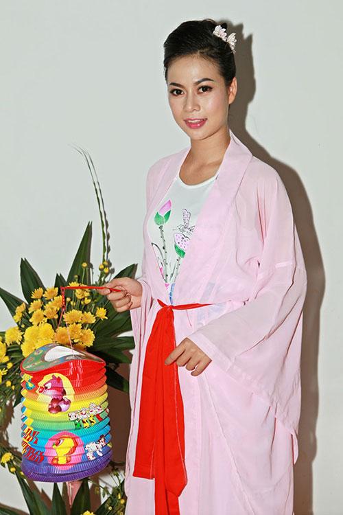 thai chi hung rang ro ben ''chi hang'' my hanh - 4