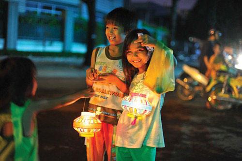 trung thu nay con khong co banh nuong - 1