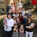 Tin tức - Sốc: Bà mẹ 37 tuổi có... 17 người con
