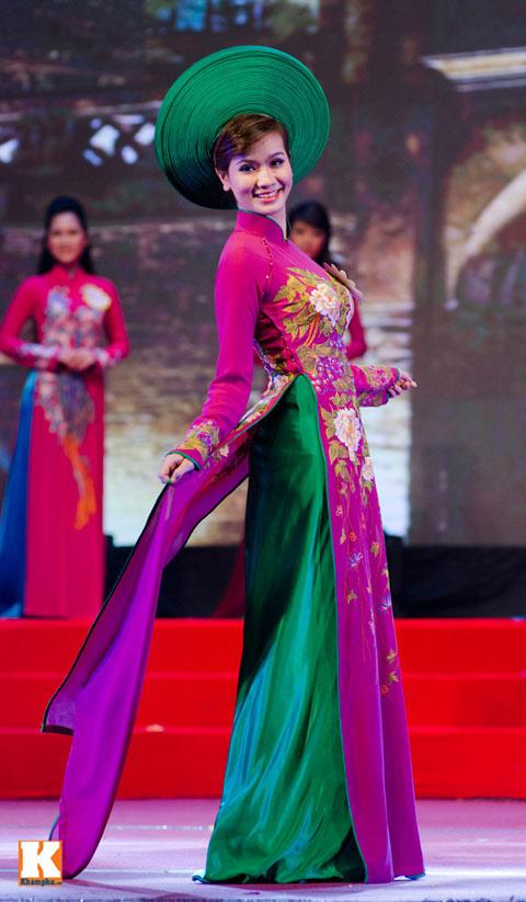 """lo thi huong tram dang quang """"nu hoang trang suc 2013"""" - 3"""