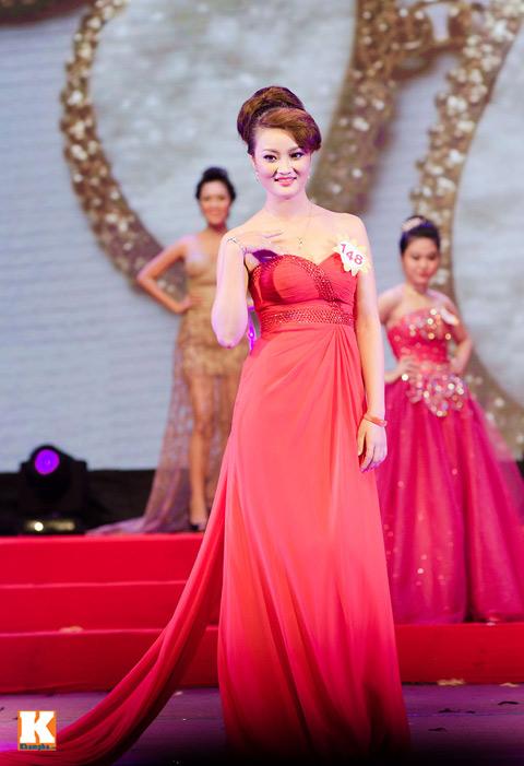 """lo thi huong tram dang quang """"nu hoang trang suc 2013"""" - 11"""