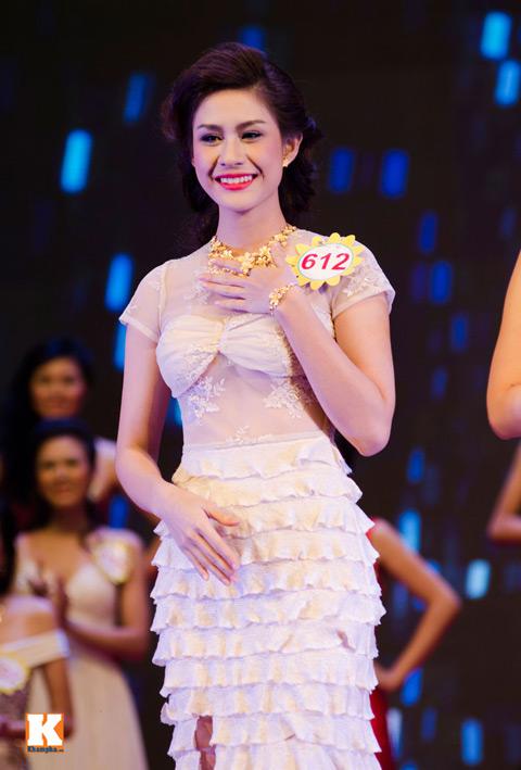 """lo thi huong tram dang quang """"nu hoang trang suc 2013"""" - 15"""