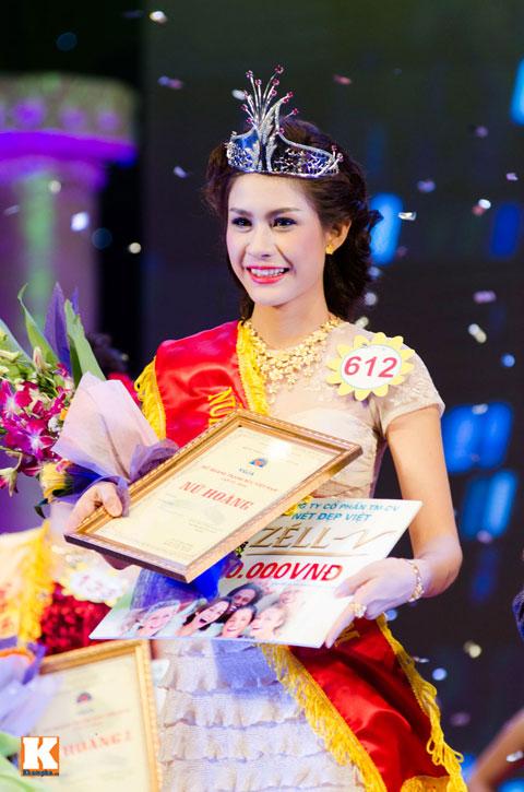 """lo thi huong tram dang quang """"nu hoang trang suc 2013"""" - 16"""