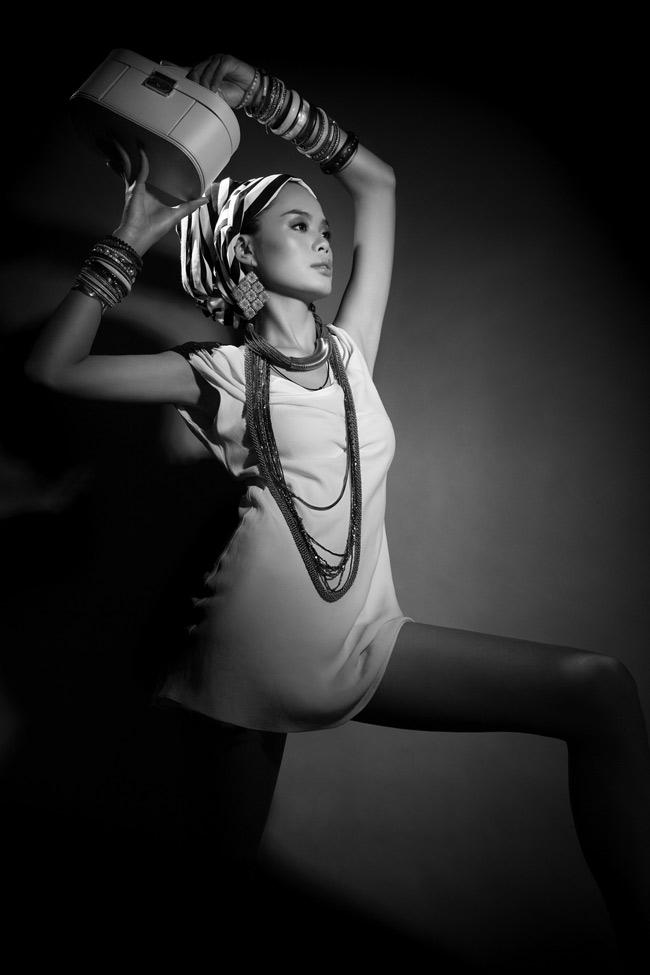 Trần Hiền là người mẫu nổi lên từ cuộc thi tìm kiếm người mẫu Vietnam's Next Top Model 2011 và dừng chân ở Top 5. Sau cuộc thi VNNTM hoạt động là người mẫu hoạt động tự do dưới sự dẫn dắt của người mẫu Hà Anh. Không ồn ào, Trần Hiền âm thầm hoàn thiện kỹ năng của mình.
