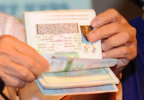 huyen chip: visa co the xin va mua ngay tai bien gioi - 1
