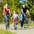 Sức khỏe - Tập thể dục với xe đạp tiện lợi và khỏe