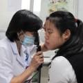 Tin tức - Tự điều trị đau mắt đỏ, 5 trẻ có nguy cơ mù mắt
