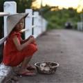Làm mẹ - Cay mắt xem đoạn phim về cô bé nghèo
