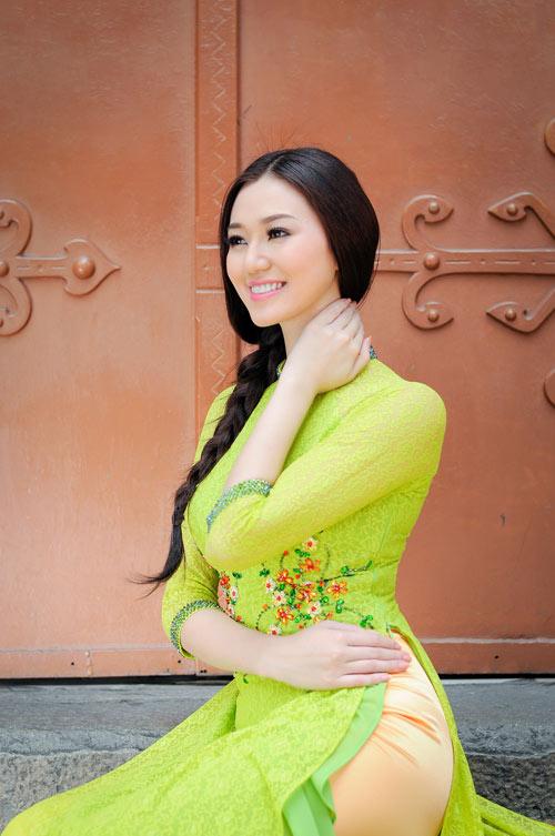 """khanh my ngay cang dat show """"dai su"""" - 4"""