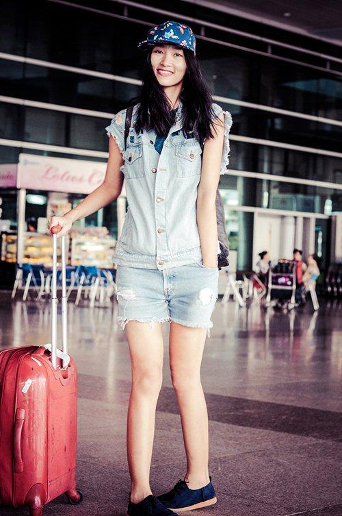 huyen trang khoe style nang dong tai san bay - 4