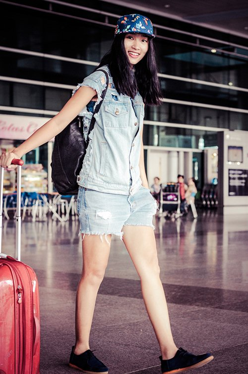 huyen trang khoe style nang dong tai san bay - 5