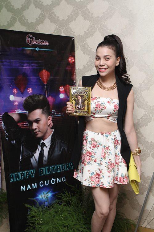 phuong thanh dien ao ba ba chuc mung nam cuong - 6