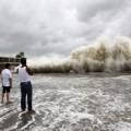 Siêu bão Usagi càn quét TQ, 25 người chết
