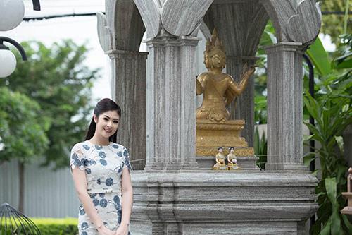 Ngọc Hân hoà mình vào cảnh sắc Thái Lan-2