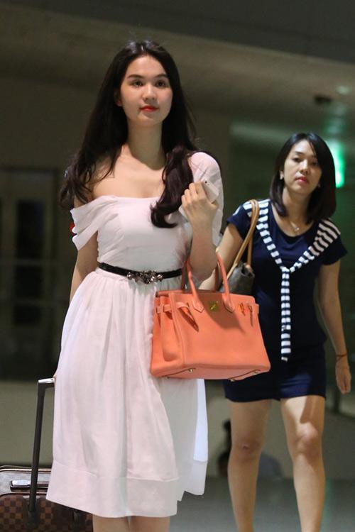 Ngọc Trinh, Thanh Hằng hoàn hảo ở sân bay-3