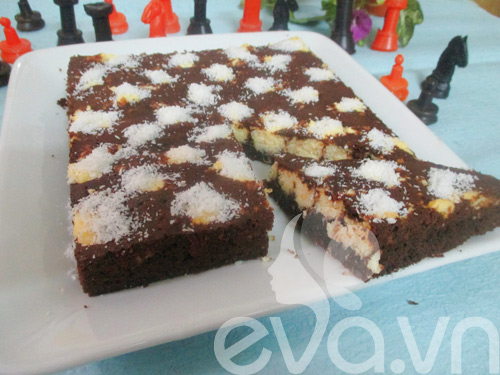 banh brownie dua hinh ban co - 10