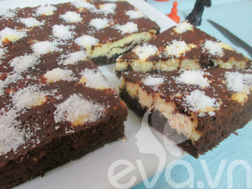 banh brownie dua hinh ban co - 11