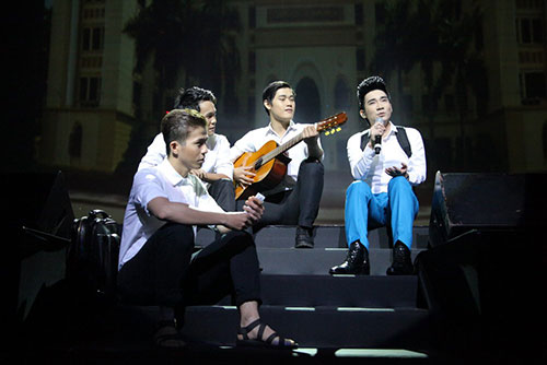 ban gai len san khau chuc mung quang ha - 5