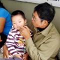 Làm mẹ - Viện mắt chật kín trẻ đau mắt đỏ