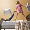 Nhà đẹp - Mẹo hay vệ sinh đệm trải giường mùa đông