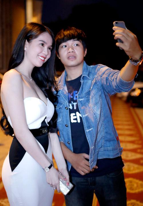 ngoc trinh khoe dang tai dam cuoi ngoc thach - 6