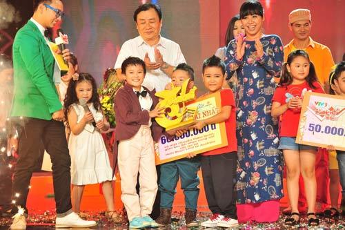 nhat minh, quoc thai dang quang drm 2013 - 12