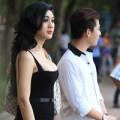 Làng sao - Lâm Chi Khanh diện váy sexy đi dạo Hồ Gươm